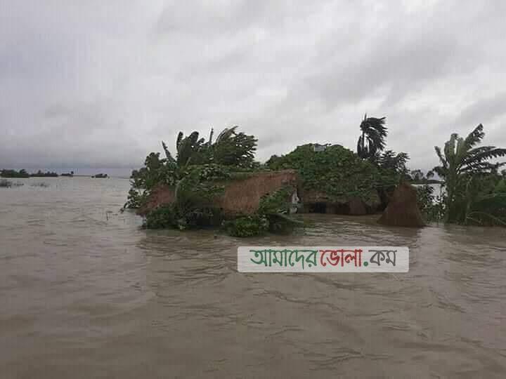 তজুমদ্দিনে জোয়ারের প্রভাবে নিম্নাঞ্চল প্লাবিত