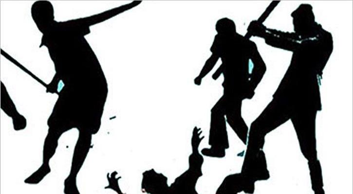 ভোলায় আইনজীবির চেম্বারে ঢুকে আসামিকেমারধর করলো মামলার বাদী