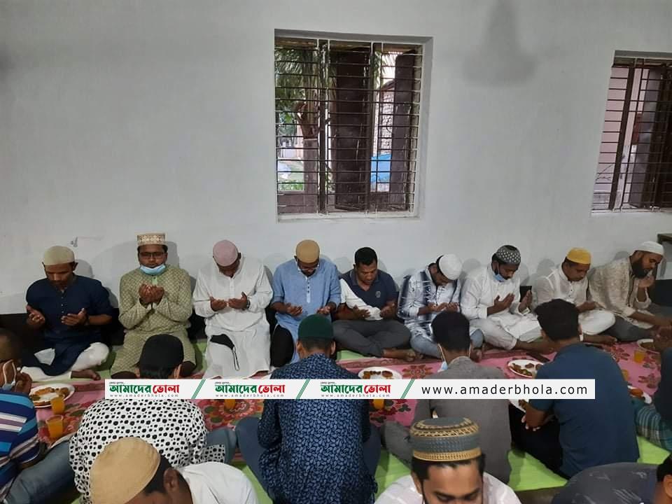 খালেদা জিয়ার রোগ মুক্তি কামনায় ভোলায় ছাত্রদলের দোয়া মাহফিল